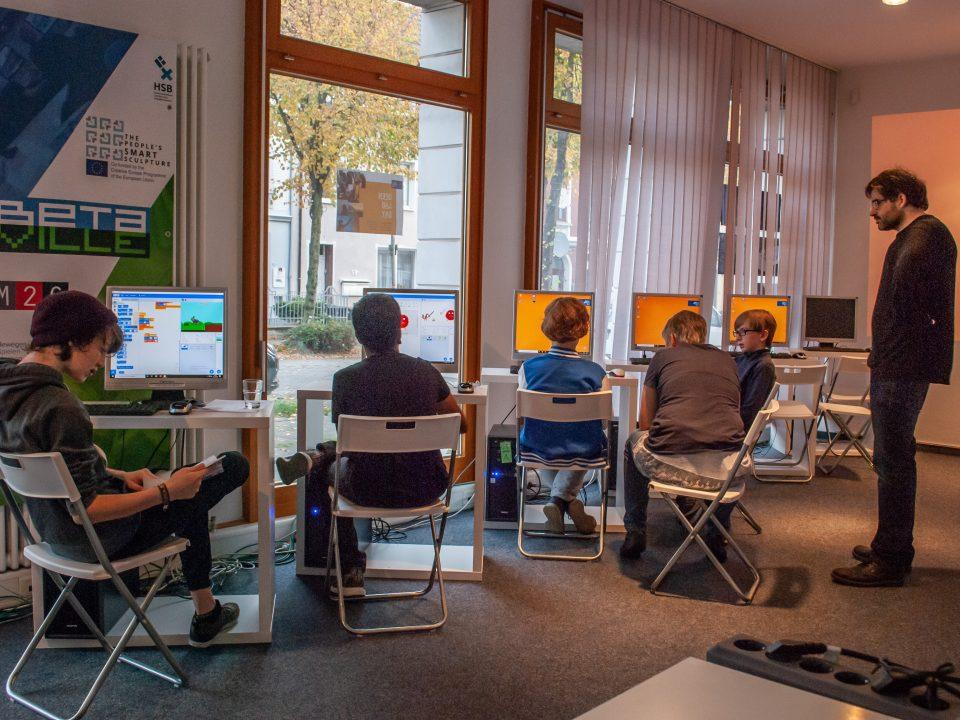 Arduino - Programmieren und Elektronik für Einsteiger